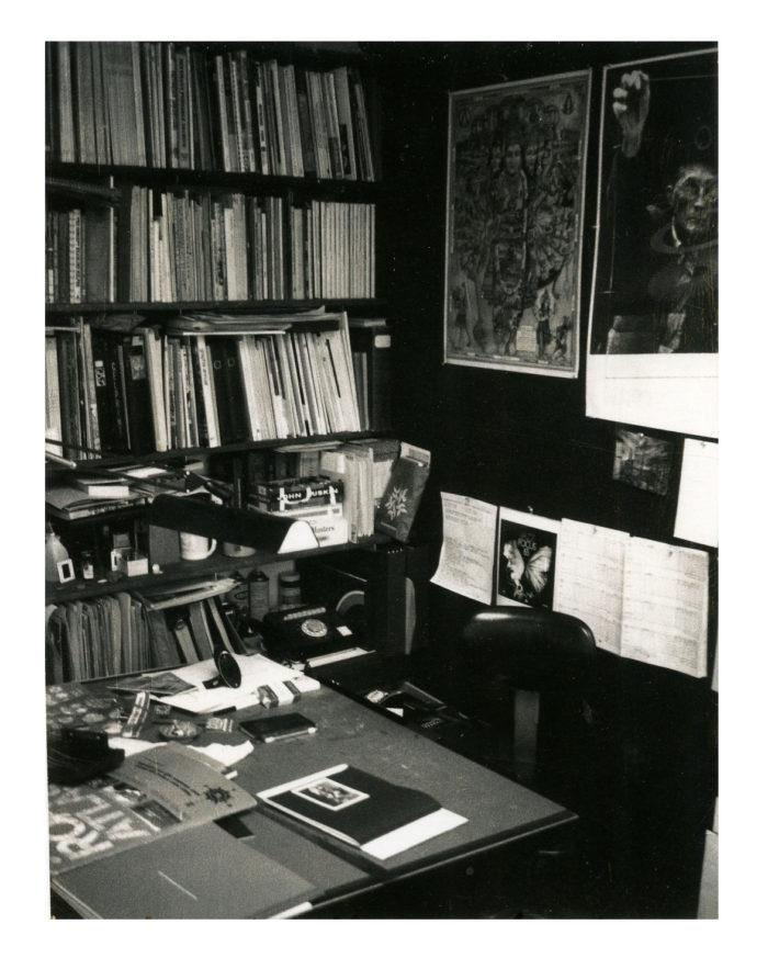 bTroyStudio1973-